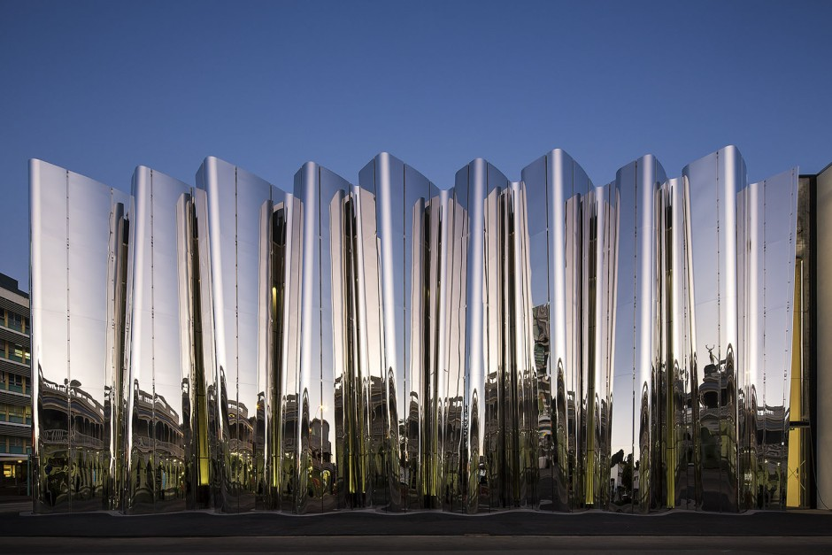 The shimmering stainless steel façade of the Len Lye Centre, Patterson Associates, Photo ©Patrick Reynolds